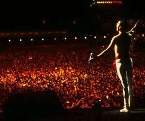 Freddie Mercury, Queen, and concert image