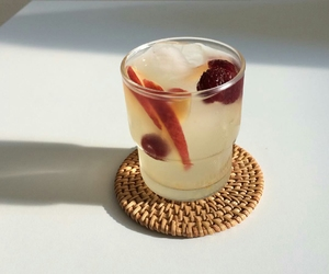 cocktail and FRUiTS image
