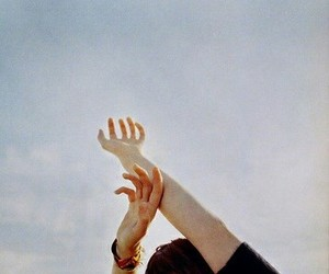 sky, vintage, and hands image