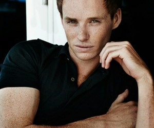 eddie redmayne and freckles image