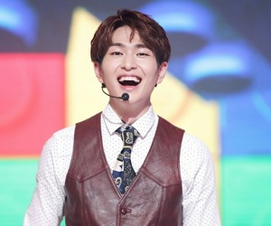 korean, kpop, and Onew image