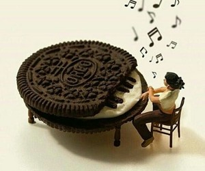oreo and piano image