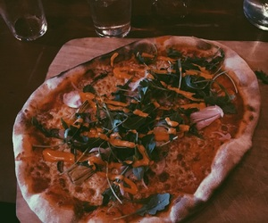 food, vegetarian, and pizza image