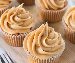 buttercream, cupcakes, and caramel image