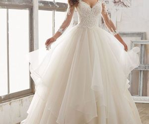 beautiful, dress, and gowns image