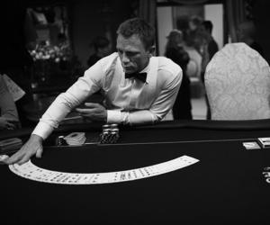 daniel craig, casino royale, and James Bond image