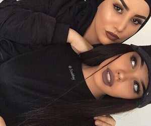 makeup, girls, and friends image