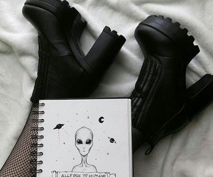 black, alien, and tumblr image