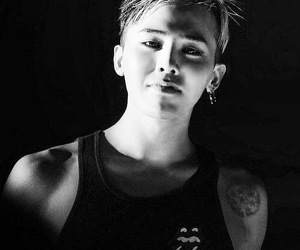 beauty, black and white, and g-dragon image