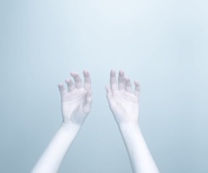 grunge, hands, and pale image