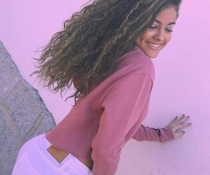 curls, latina, and we heart it image