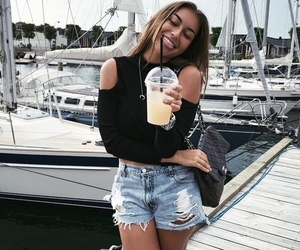 girl, smile, and outfit image