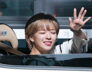 twice, yoo jungyeon, and yoo jeongyeon image