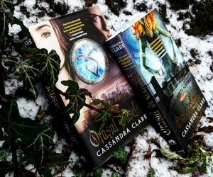 books, read, and cityofashes image
