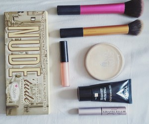 makeup, maquillage, and vichy image