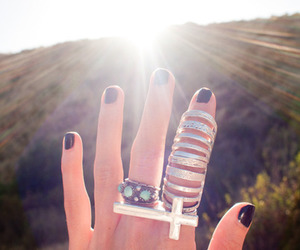 rings, sun, and hand image