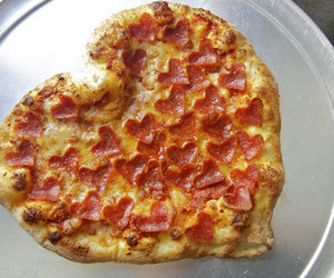 amor, pizza, and add more tags image