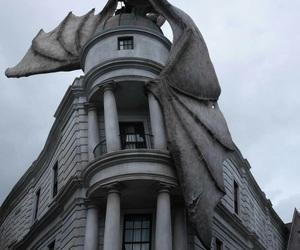 dragon, harry potter, and gringotts bank image