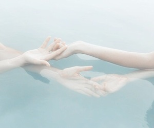 aesthetic, underwater, and alternative image