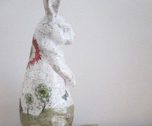 rabbit and sculpture image