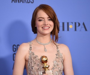emma stone, golden globes, and 2017 image