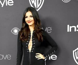 golden globes and victoria justice image