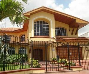 amarillo, casa, and fachada image