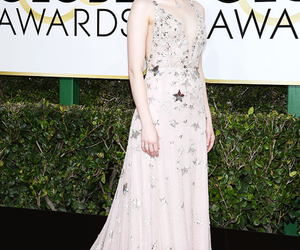 emma stone and golden globes image