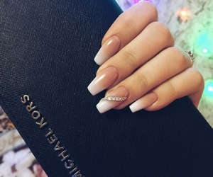 french, nails, and балерина image