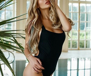 blonde hair, blondes, and long hair image