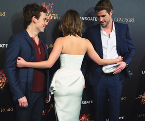 Jennifer Lawrence, liam hemsworth, and catching fire image