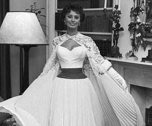 1957, sofia loren, and meet the queen image