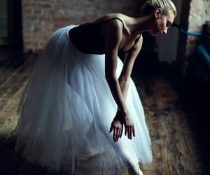 ballerina, point, and ballet image