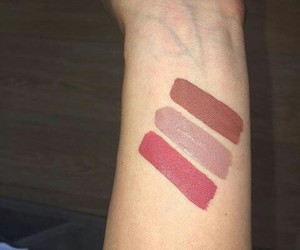 kylie jenner, beauty, and swatch image