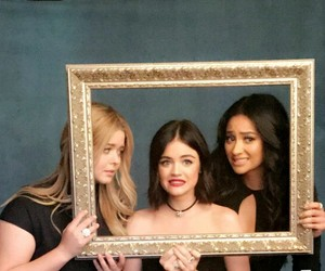 serie, lucy hale, and pretty little liars image