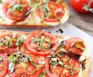 healthy and pizza image