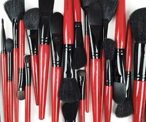 Brushes, smashbox, and makeup products image