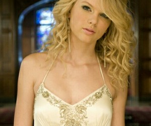 change and Taylor Swift image
