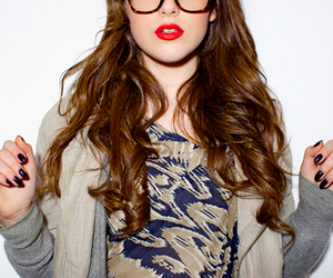 elizabeth gillies, glasses, and victorious image