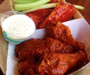 food and buffalo wings image