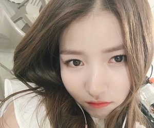 sowon, girl, and icon image