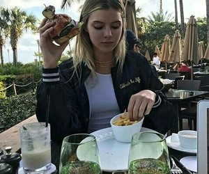 alissa violet and food image