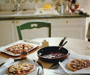 food, vintage, and pizza image