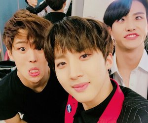 pentagon, hui, and hongseok image