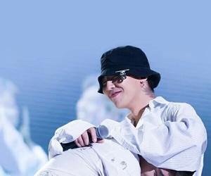 seungri, g-dragon, and bigbang image