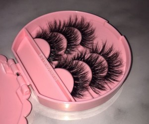 pink, eyelashes, and lashes image
