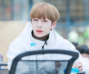 kpop, mx, and hyungwon image