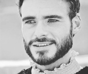 richard madden, gif, and handsome image