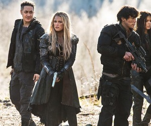 bellamy, clarke, and octavia image