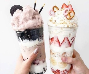 food, strawberry, and oreo image